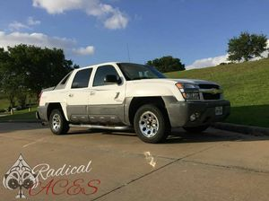 2002 Chevy Avalanche 1500 for Sale in Houston, TX