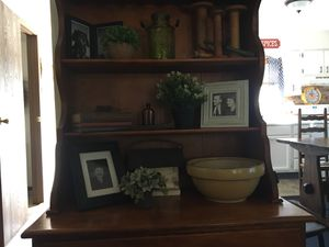 ANTIQUE HUTCH for Sale in Newark, OH