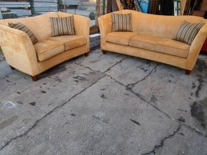 Rooms to Go Cindy Crawford Home Sofa and Loveseat Living Room Set for Sale in Brandon, FL