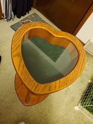 Wooden heart shaped side table for Sale in Niagara Falls, NY