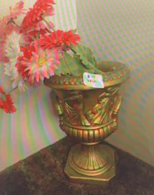 Vase for Sale in West Mifflin, PA