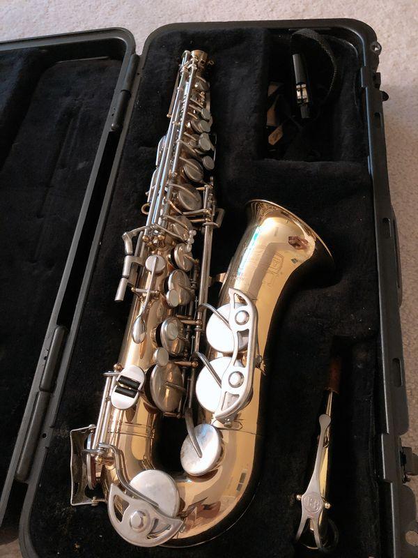 Bundy Saxophone - student beginners