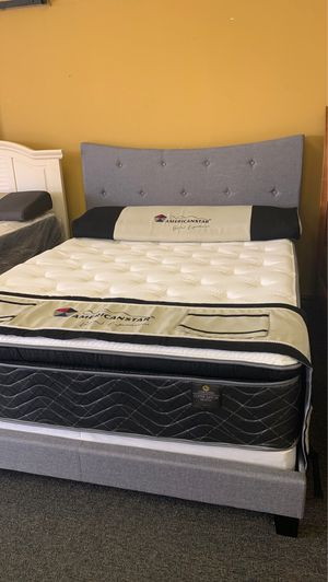 Queen size gray curved bed with copper plush mattress free delivery for Sale in Irving, TX