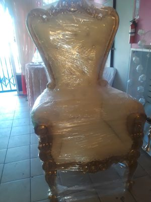 Throne Chair for Sale in Compton, CA
