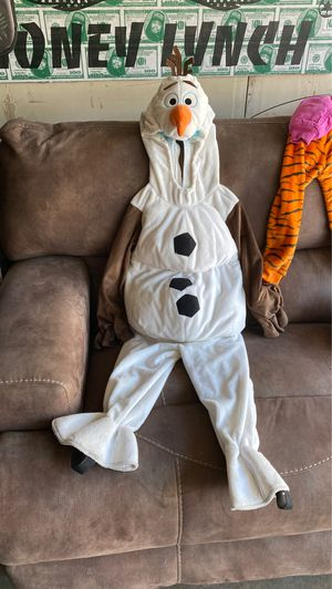 Kids size 4T Disney Olaf costume. Used once. for Sale in Lakewood, CA