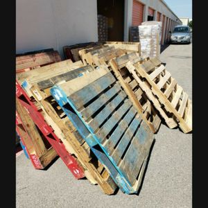 Wooden palates for free for Sale in Euless, TX