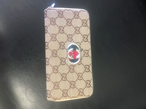 Gucci wallet for Sale in North Randall, OH