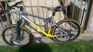 Grate bike 27''Giant for Sale in Denver, CO