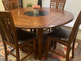 Dining Table w/4 Chairs for Sale in Estacada,  OR