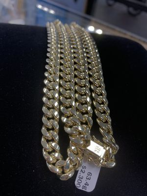 "Hollow Miami Cuban Chain 10k & 63.4gms & 9.5mm & 28"" for Sale in Poinciana, FL"