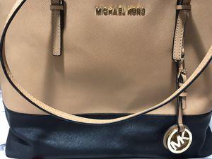 Michael Kors Handbag for Sale in Clermont, FL