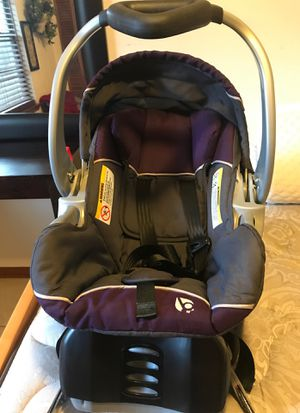 Infant car seat for Sale in Palm Bay, FL