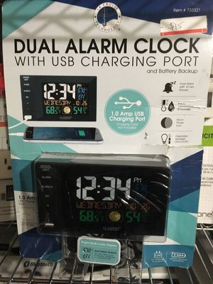 Dual Alarm Clock with USB charging port and battery backup for Sale in Lilburn, GA