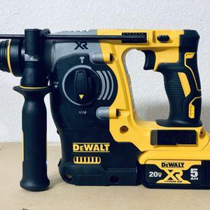"Dewalt XR Hammer 1"" Whit Batteriy for Sale in San Antonio, TX"