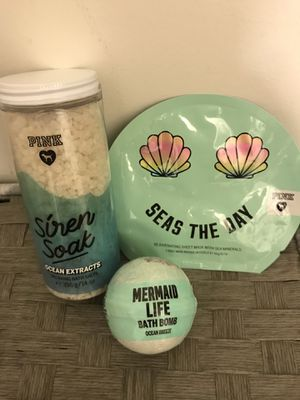 Brand new PINK Victoria's Secret bundle with relaxing bath salts, Mermaid life bath bomb and face mask for Sale in Walnut Creek, CA
