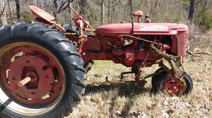 Farmall tractor for Sale in Little Rock, AR