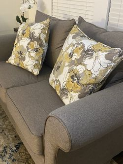 Couches for Sale in Hayward,  CA