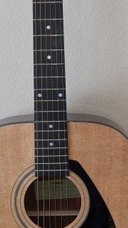 Yamaha Acoustic Guitar for Sale in Lithia,  FL