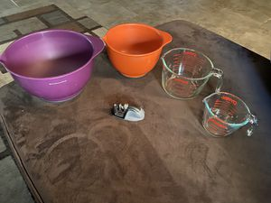 2 Mixing bowls, 2 glass measuring cups, and knife sharpener for Sale in Surprise, AZ
