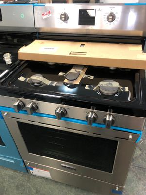 "30"" NEW FRIGIDAIRE PROFESSIONAL SERIES GAS STOVE STAINLESS STEEL WITH ONE YEAR WARRANTY for Sale in Lake Ridge, VA"