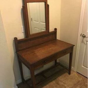 Table mirror antique - lowered - vintage - makeup table for Sale in Windermere, FL