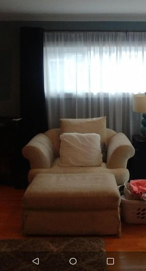 REUPHOLSTERING CHAIRS for Sale in Rancho Cucamonga, CA