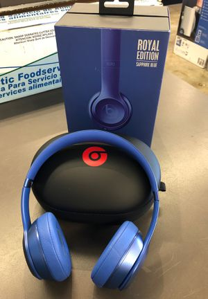 Beats Solo 2 Royal Edition Sapphire Blue Wired with Cord and Case for Sale in Tacoma, WA