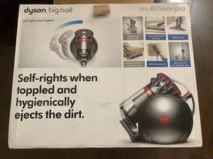 Dyson Big Ball Multi-Floor Pro vacuum for Sale in Placentia, CA