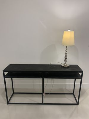 Console table with lamp for Sale in Fort Lauderdale, FL