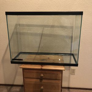 Fish/aquarium Maybe 50 Gallon for Sale in Sacramento, CA