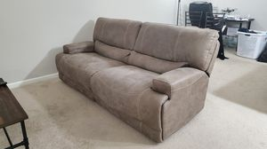 Oversized Power reclining couch in excellent condition for Sale in Columbia, SC