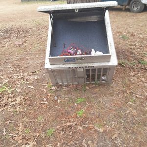 dog box with storage compartment on top for Sale in North, SC