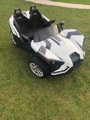 Battery powered toy ride on car for Sale in Milton, FL