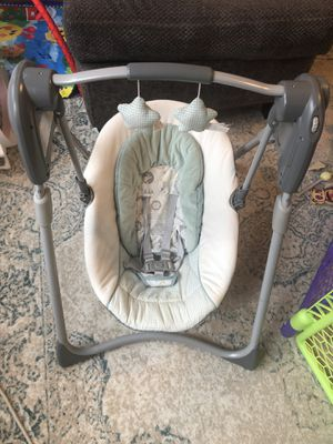 Graco Baby Swing for Sale in Oak Park, IL