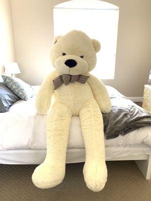 Huge 5' Teddy Bear for Sale in Las Vegas, NV