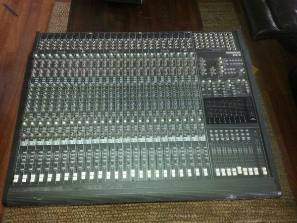 Mackie Console Model 24x8