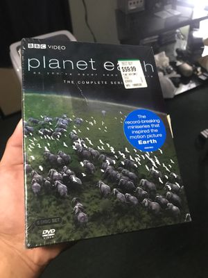 Planet Earth complete series 5 disc set (DVD) for Sale in Los Angeles, CA