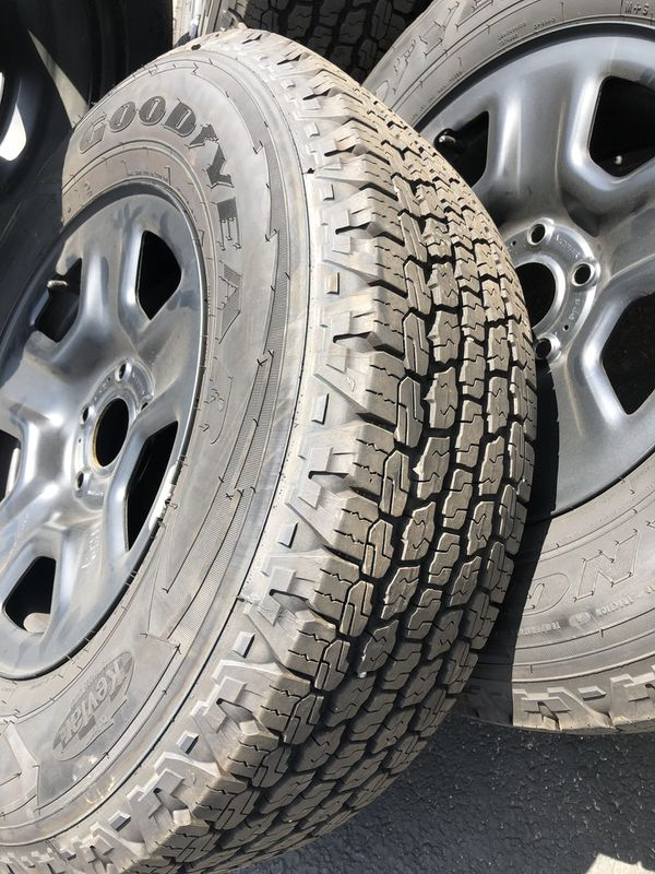 (5) 2019 Jeep Wrangler Wheels and Tires