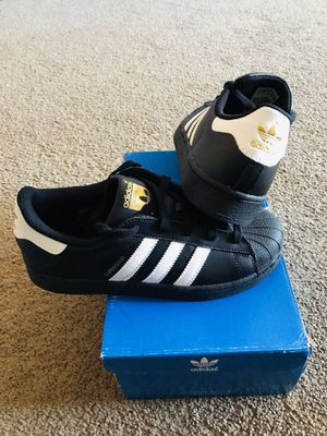 Adidas Superstar Kids Size 3 for Sale in Downey, CA