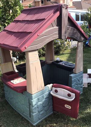 Kids playhouse and brand new dolphin lights for Sale in Montclair, CA