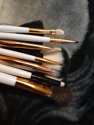 Makeup brushes for Sale in Long Beach, CA