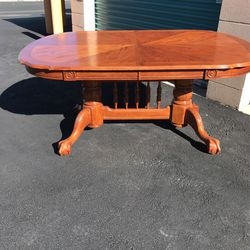 Dining Table Carved Oak, Clawfoot for Sale in Henderson,  NV