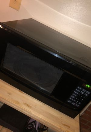 Black microwave for Sale in Baltimore, MD