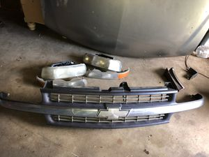 99-06 Chevy parts,grille,hood,driver side fender for Sale in Fort Worth, TX