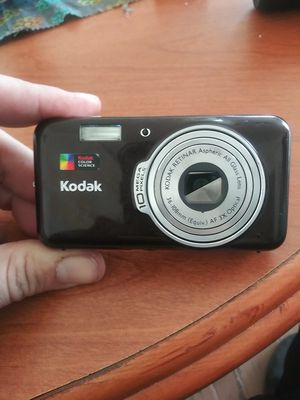 Kodak easyshare v1003 digital camera for Sale in Columbus, OH