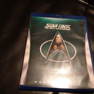 STAR TREK THE NEXT GENERATION SEASON 4 for Sale in Clearwater, FL