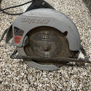 Skilsaw 7 1/4 Hand Saw Power Tool Skill Saw Model 574 Corded Great Condition 1 3/4 HP for Sale in Yorba Linda, CA