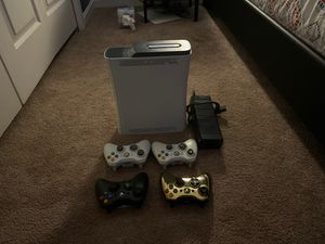 It's a Xbox 360 4 controllers for Sale in Manassas, VA