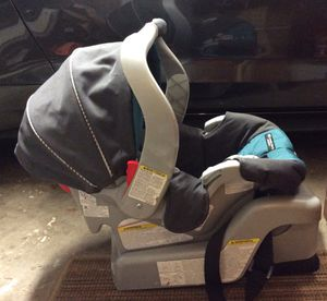 Graco infant car seat for Sale in Beaverton, OR