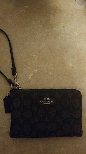 Coach wallet/clutch excellent condition for Sale in Amelia Court House, VA